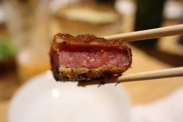 genki屋の肉厚ハムカツの断面