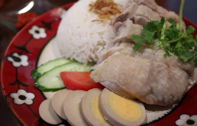 ムンランギットカフェのカオマンガイ