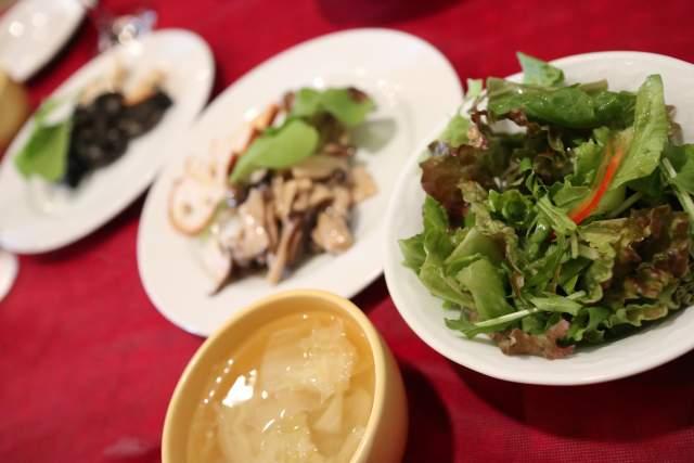 バッカのランチサラダとスープ