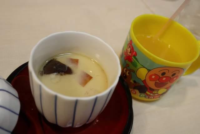 旭鮨のお子様ずし 茶碗蒸しとジュース