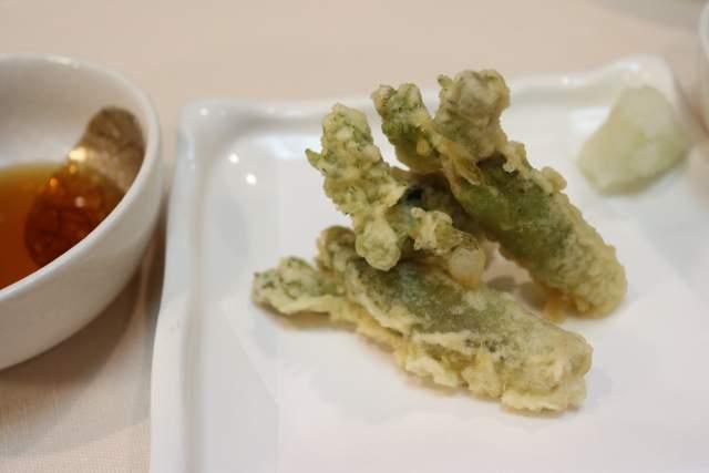 旭鮨のタラの芽の天ぷら