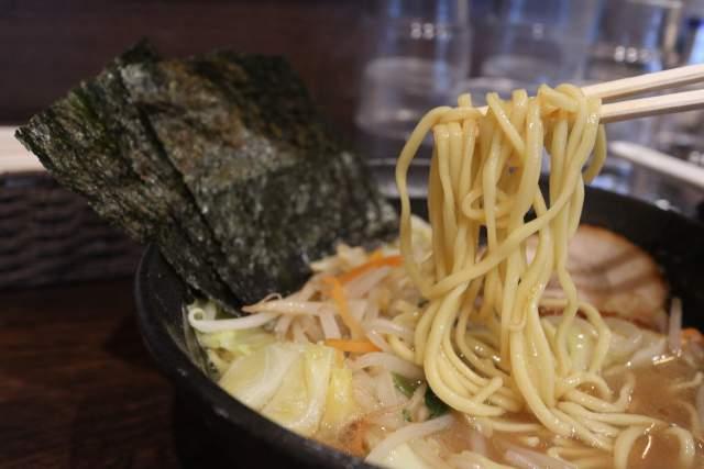 吟スタイルの麺リフト