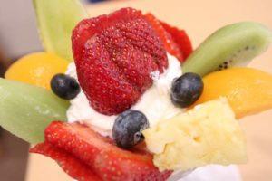 パーラーシシドのフルーツパフェとフルーツサンド