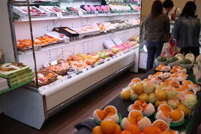 パーラーシシドのフルーツ売り場