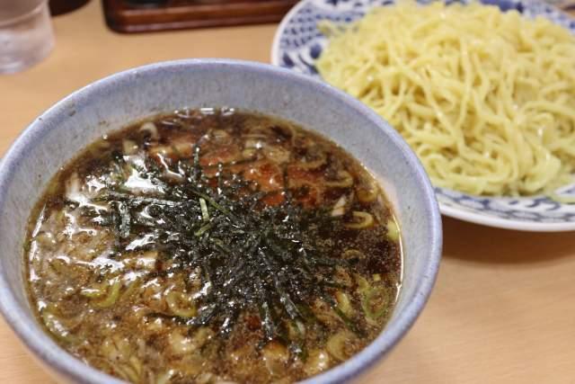 盛華の醤油つけ麺 スープ
