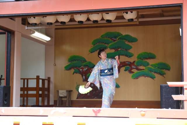 菅原神社弁天まつりの松寿会の踊り
