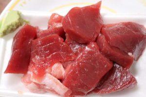 魚屋 長谷川商店のマグロとイカの刺身