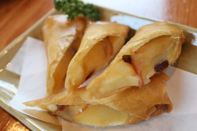 たつみのりんごとチーズの春巻き揚げ