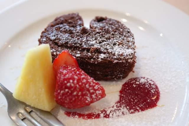 煙突カフェのチョコレートケーキ