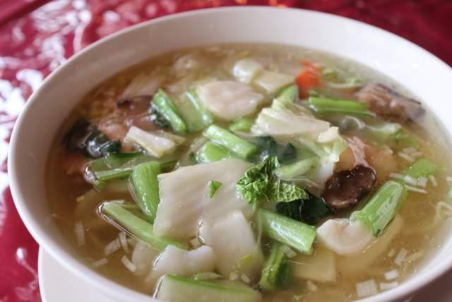 栄新楼の海鮮湯麺