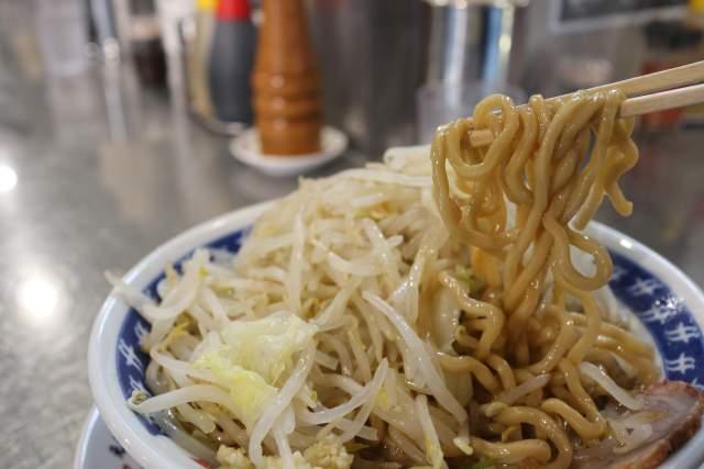 らーめん大の麺
