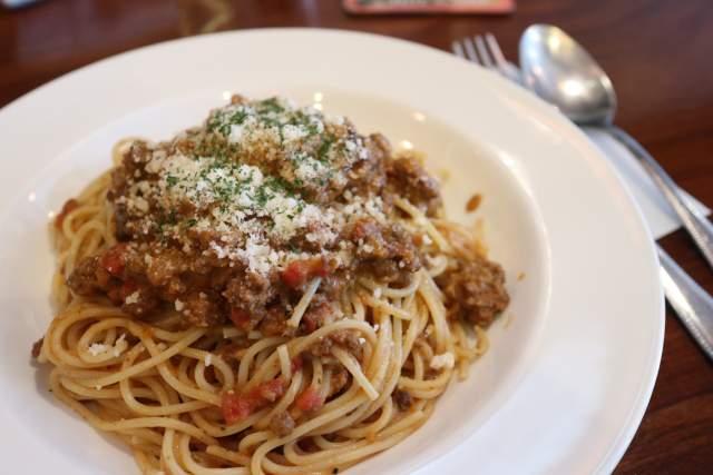 プティリュタンの牛肉のボロネーゼ スパゲッティ