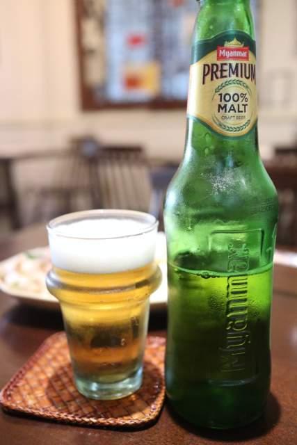 ムンランギットカフェのミャンマープレミアムビール
