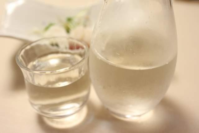 旭鮨の純米吟醸酒 巻機