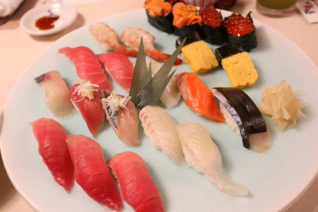 旭鮨の握り寿司 盛合せ