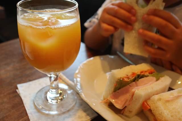 ぽえむのオレンジジュース