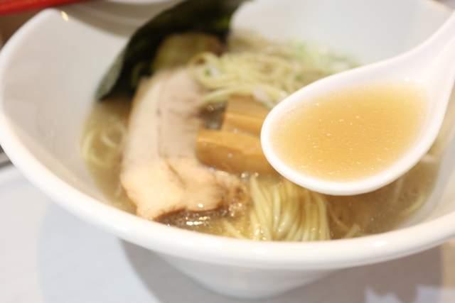 醤屋の濃厚白らーめん スープ