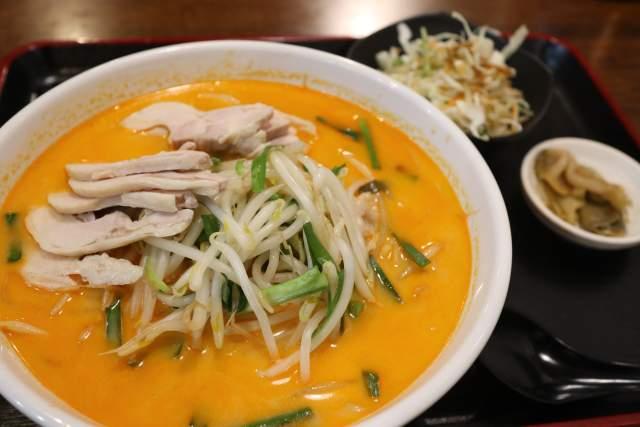 金蘭の鶏肉冷やし担々麺
