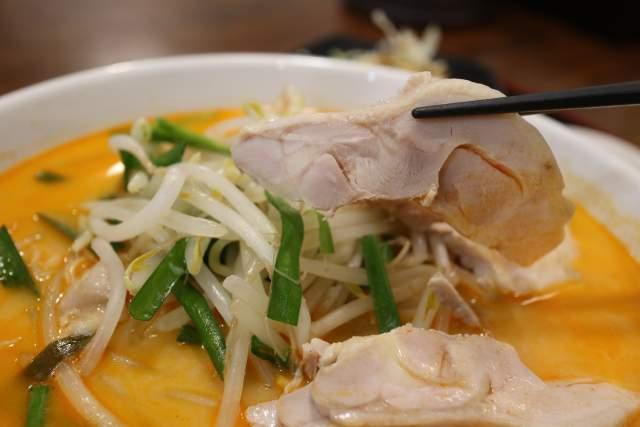 金蘭の鶏肉冷やし担々麺 肉