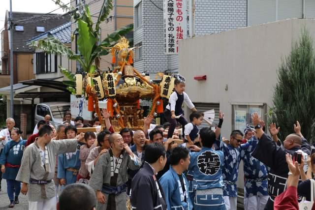 六所神社のお神輿1