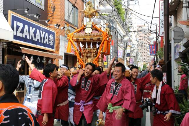 菅原神社例大祭のお神輿1