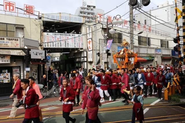 菅原神社例大祭のお神輿2