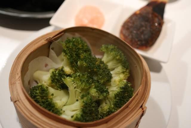 フジタカ食堂のブロッコリーの蒸し物