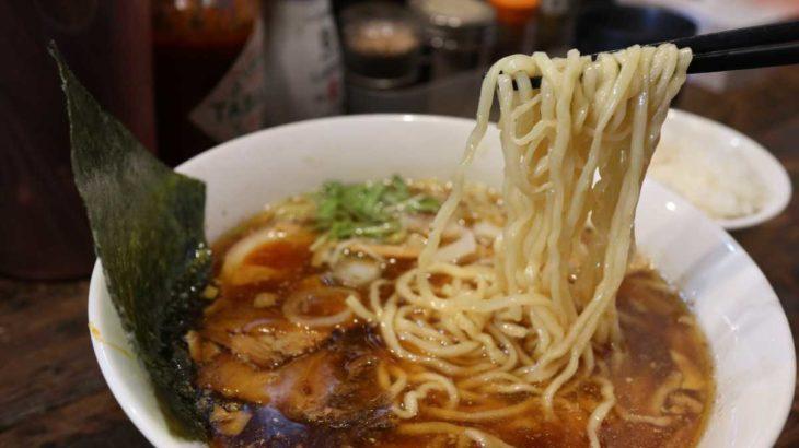 すが田のラーメンの麺リフト