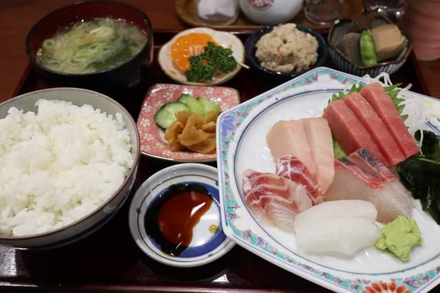 魚魚魚の刺身定食