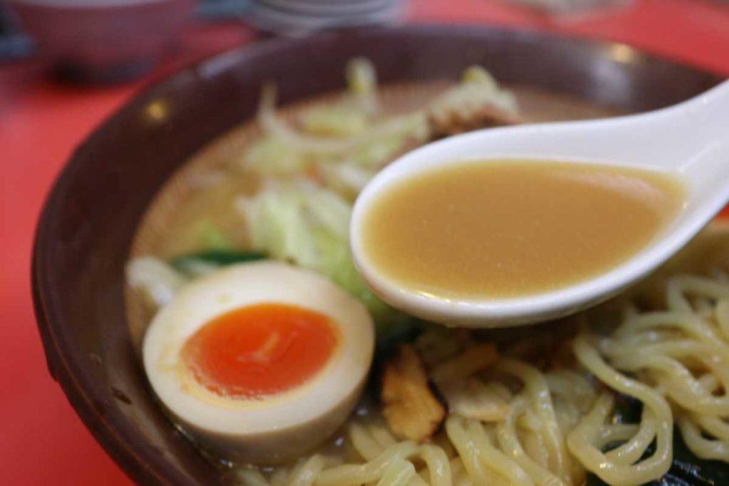 つけ麺大王のスタミナラーメンのスープ