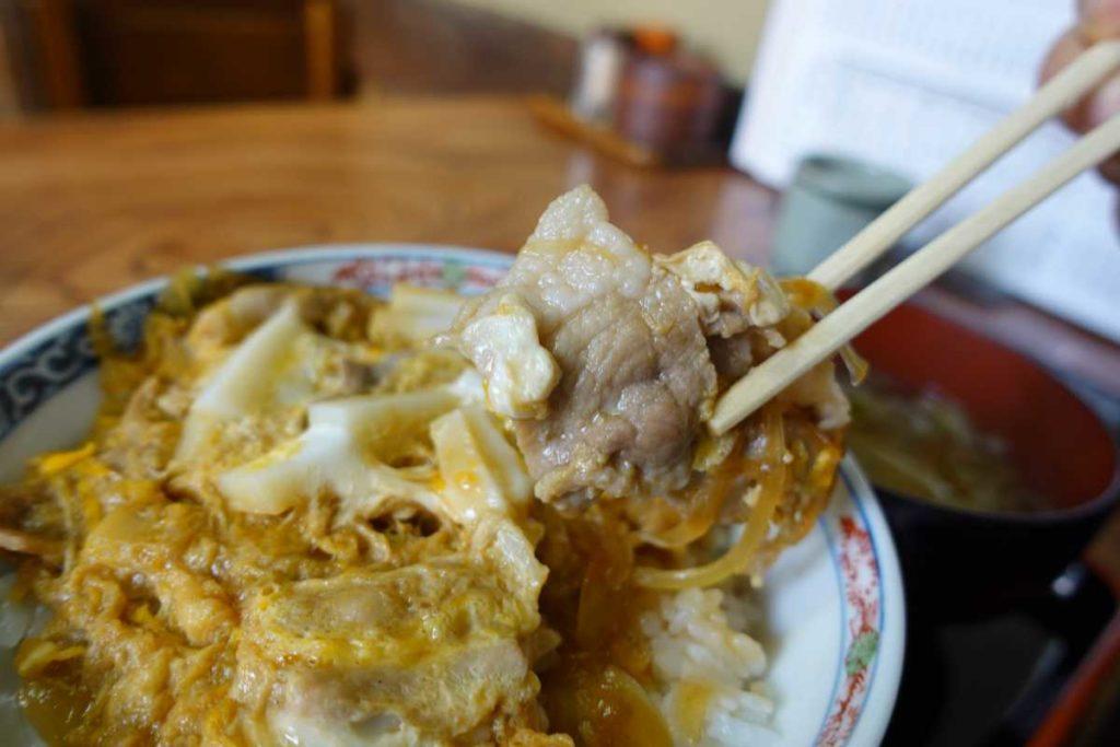松月庵の開化丼の豚肉