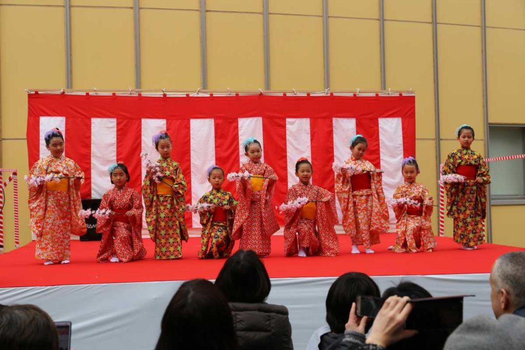 早苗保育園児の踊り