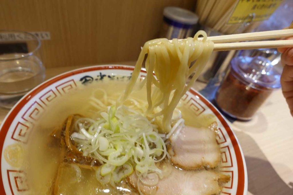 田中そば店の中華そばの麺