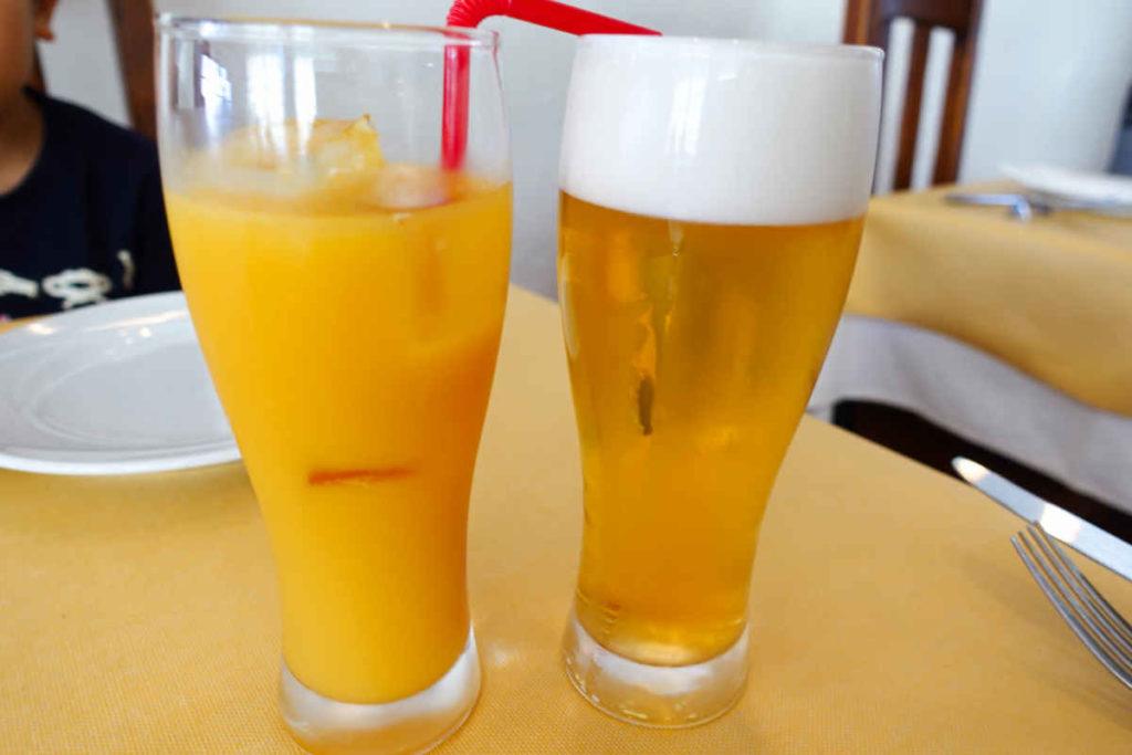 オレンジジュースとビール