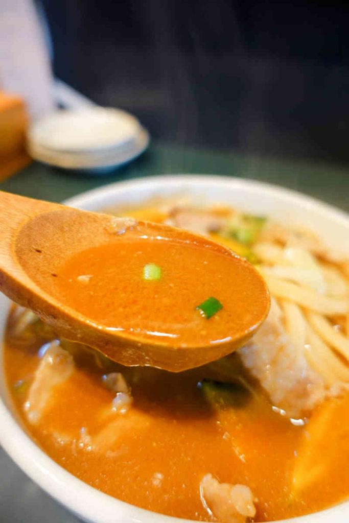 味噌煮込みうどんのスープ