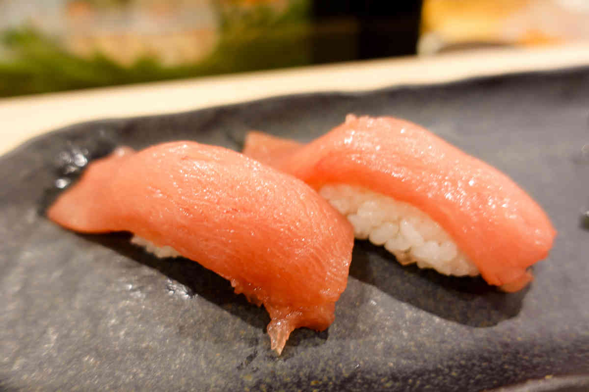 寿司屋新店【下高井戸 鮨すえひろ】は本マグロが美味しい