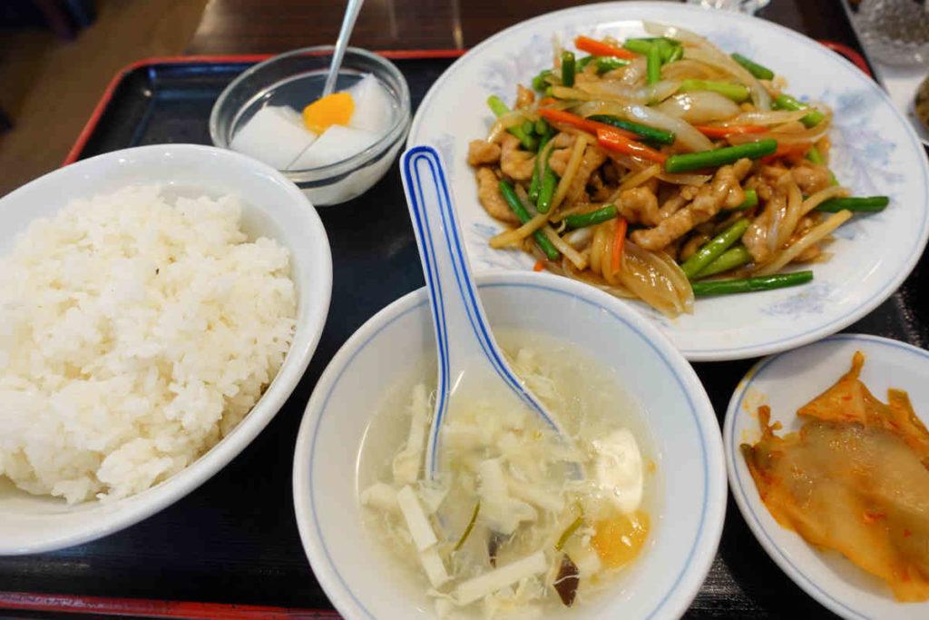 豚肉とニンニクの芽炒め定食