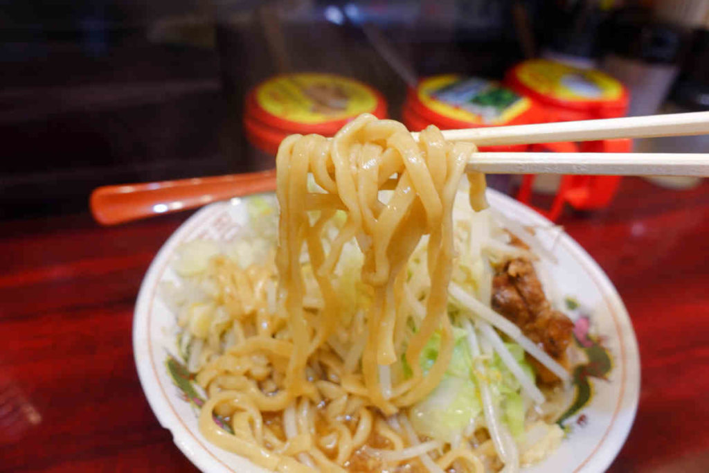 郎郎郎の麺リフト