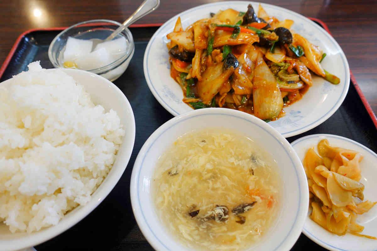 家宴の豚キムチ炒め定食