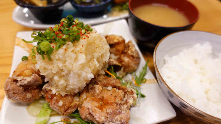 フジタカ食堂の唐揚げ定食