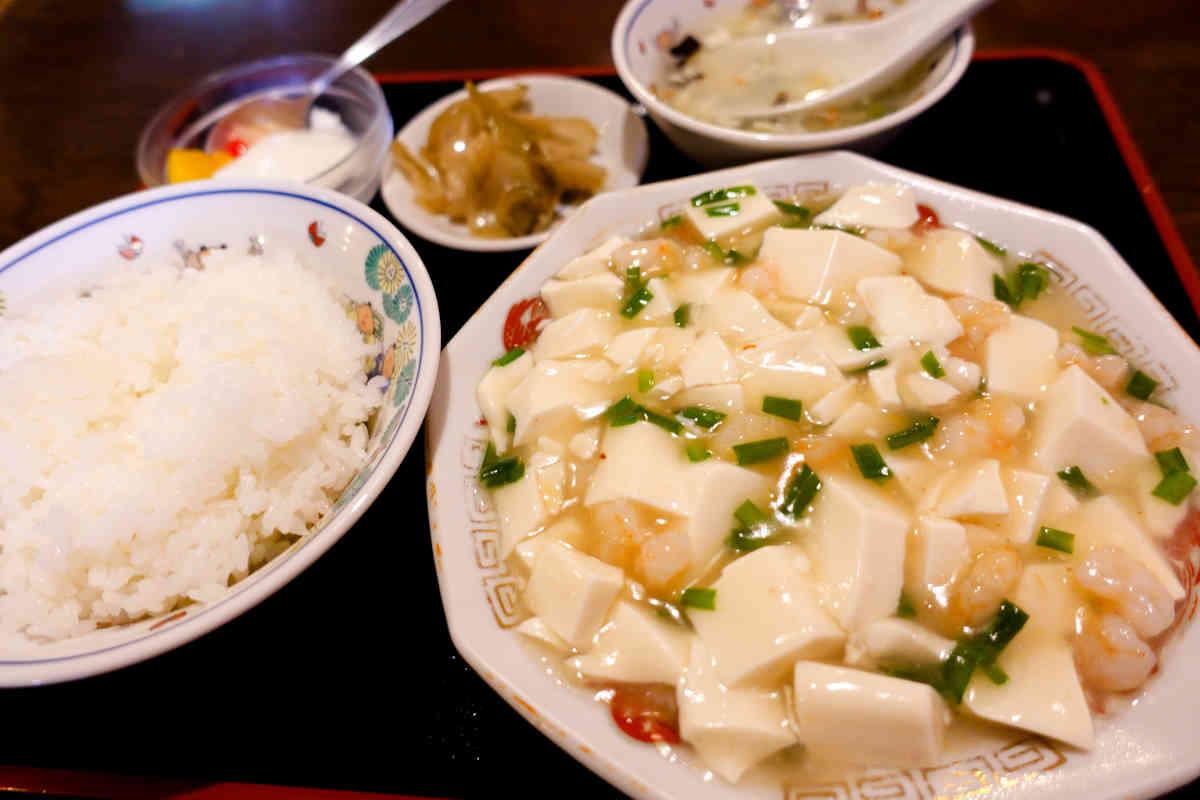 皇庭餃子房の海鮮豆腐定食があっさり旨味で美味しい