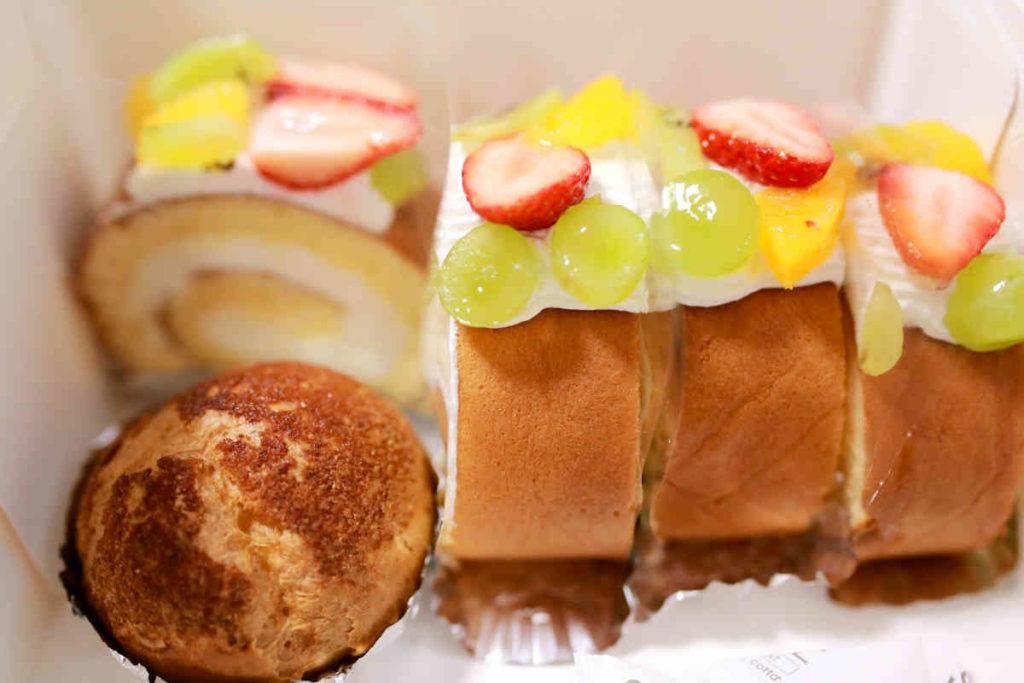 ロールケーキとクッキシュー
