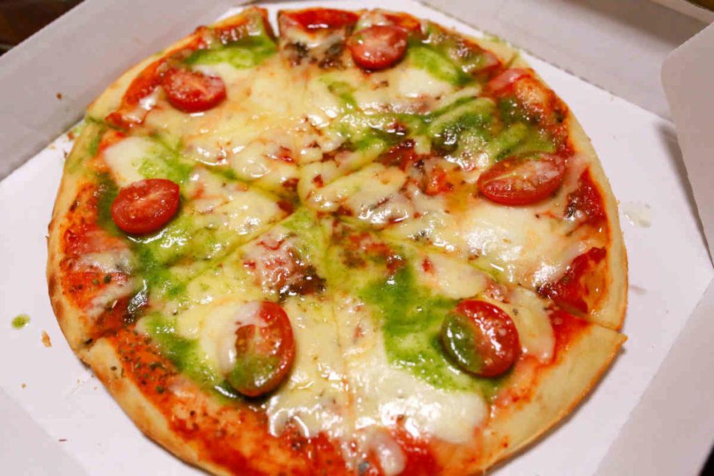 シシリアンルージュとモッツァレラチーズのピザ マルゲリータ
