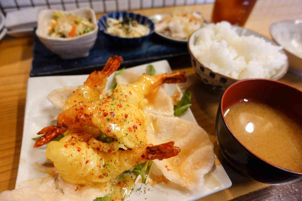 フジタカ食堂のエビマヨ定食