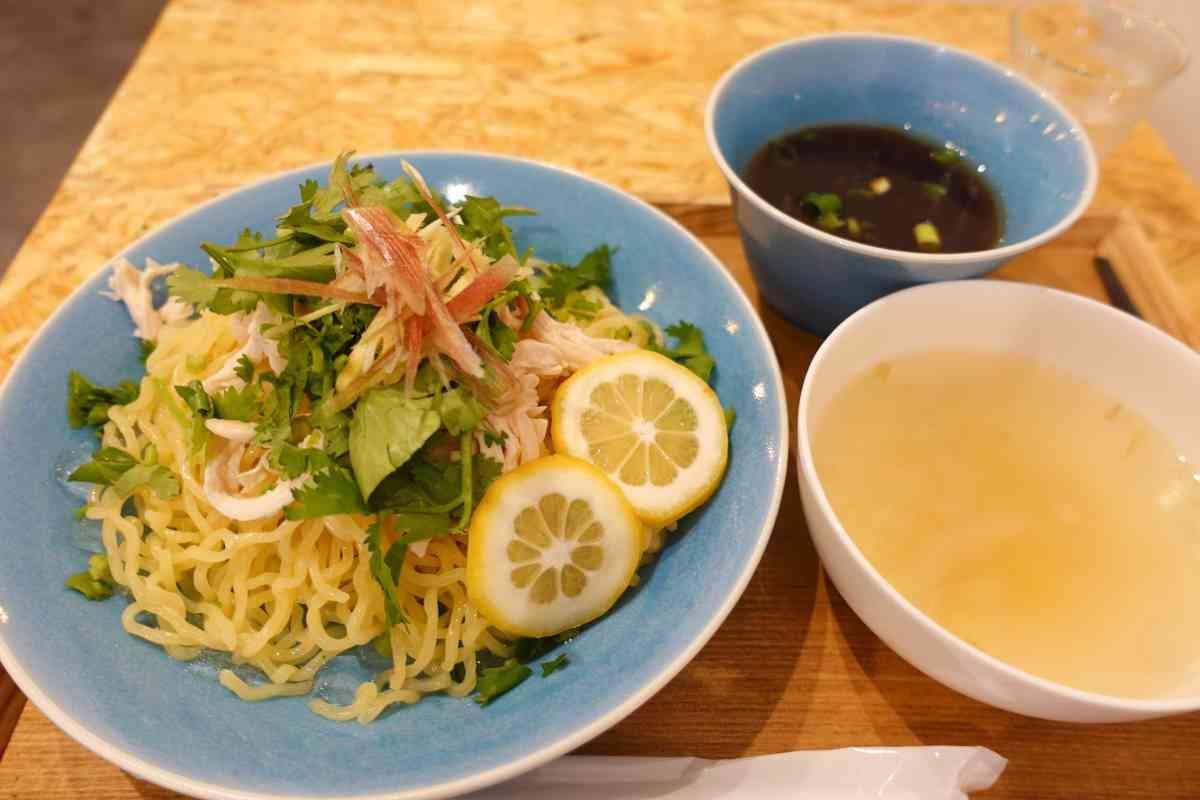 台湾カフェMEILIの爽やかで斬新な冷やし中華
