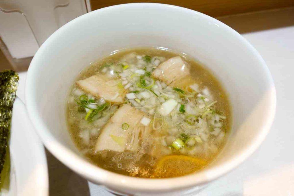 白つけ麺のスープ