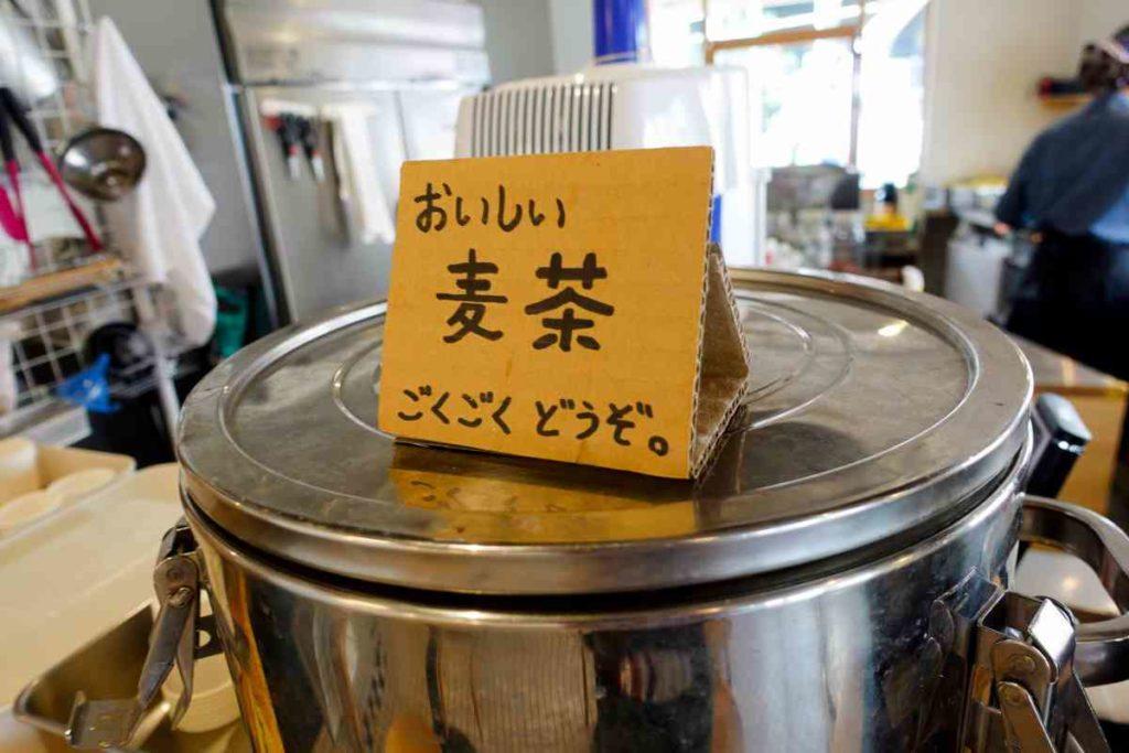 無料の麦茶