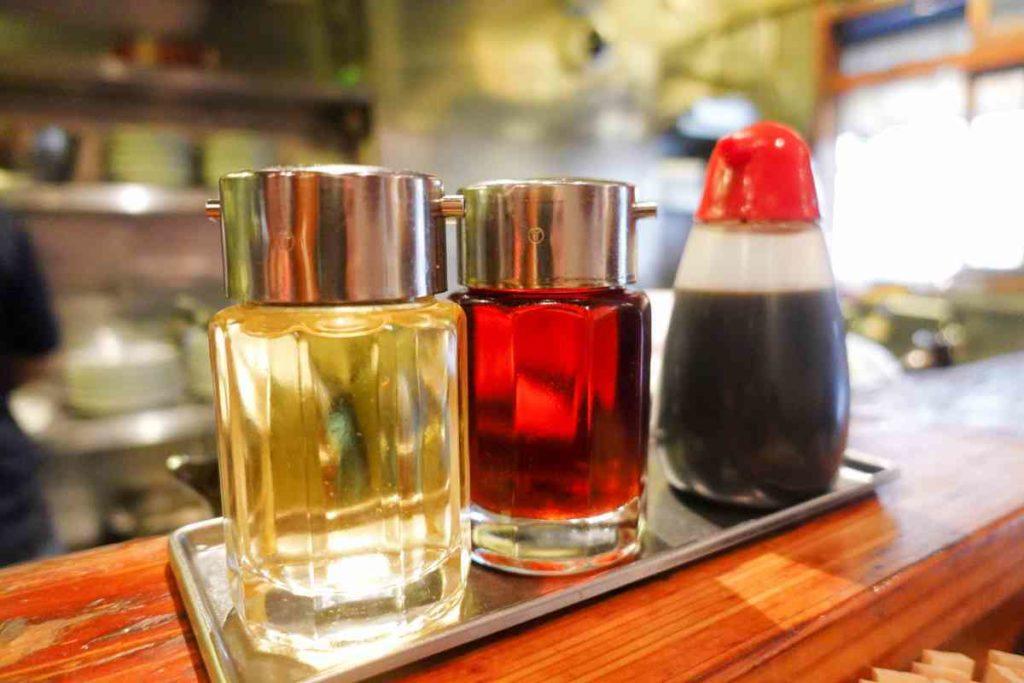 お酢、ラー油、タレ