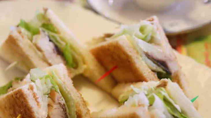 カフェ コロラドの鯖サンド