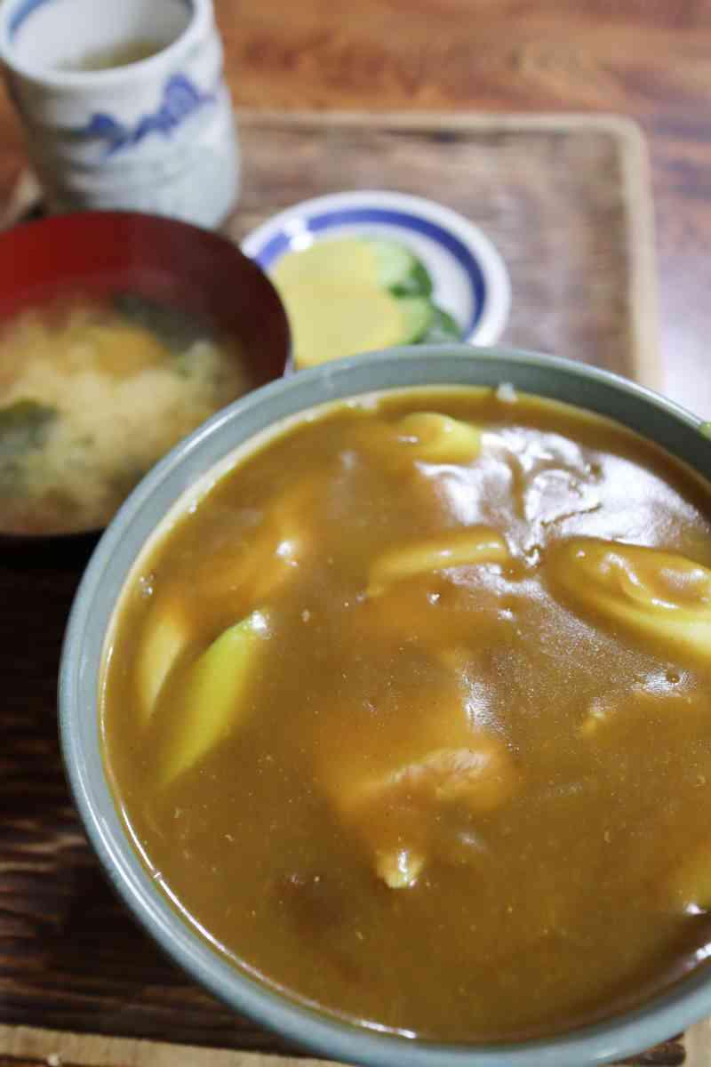 カレー丼 750円